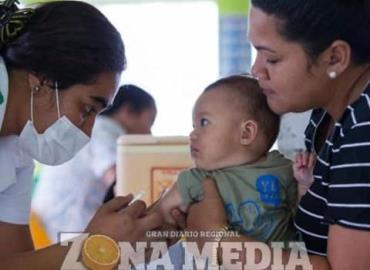 Abastecen de vacunas a todos los hospitales