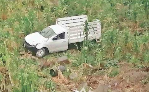 Camioneta cayó  a un barranco