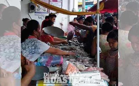 Saturada venta  del pescado