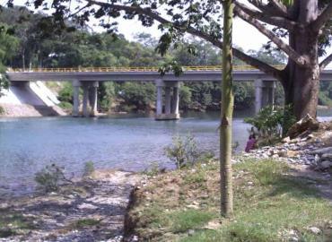 Excesiva extracción de agua afecta al río