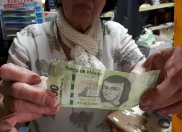 Estafan comercios con billetes falsos