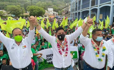 Proyecta 'El Pollo' inversión para rehabilitar carreteras de la Huasteca
