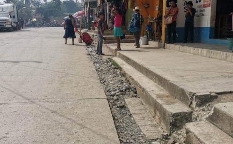 Calles y aceras son un peligro