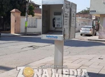 Solicitan retirar las casetas telefónicas