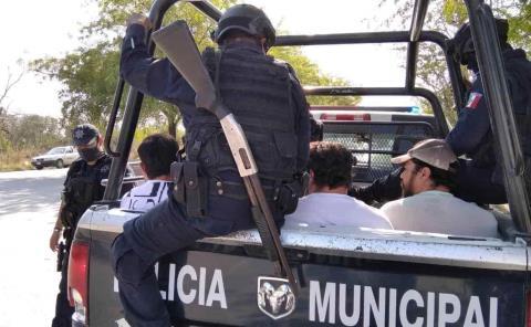 "3 detenidos por consumir ""mota"""