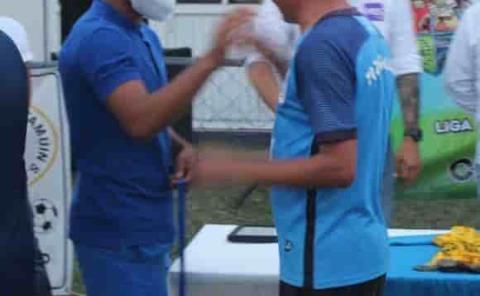 """""""Panchito"""" Martínez se abre paso en la Segunda División"""
