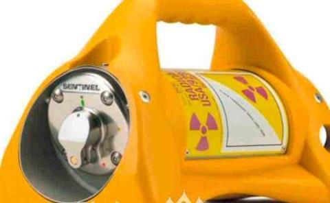 Roban equipo  radioactivo