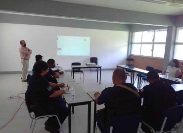 Personal policial recibe asesorías