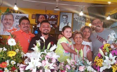 Leonor Salazar muy bendecida y amada
