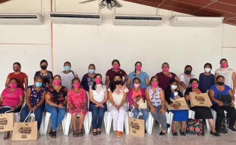 Participan en foro indígena