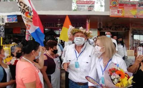 Octavio Pedroza va por el desarrollo comercial