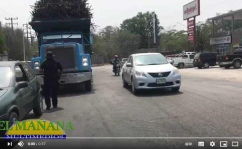 Cañero chocó contra un auto
