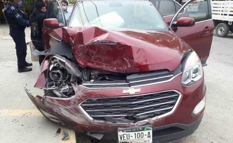 Dos camionetas se impactaron
