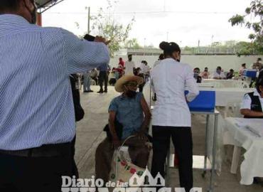 Aplicarán vacunas a los adultos mayores