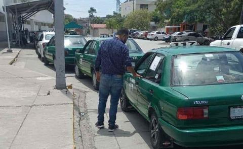 Sancionan a taxistas