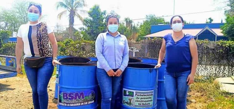 Depósitos para basura donó Ingenio a Alcaldía