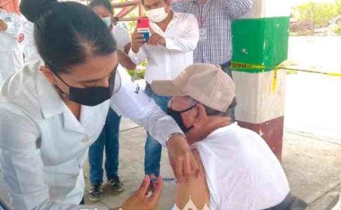 Nuevamente aplican vacunas contra Covid