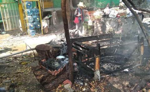 Enferma mental quemó su casa
