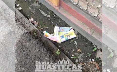 Empresa genera basura en calles