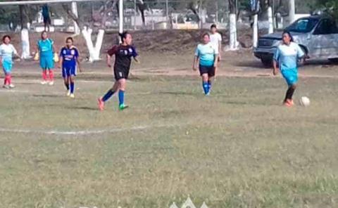 Es tiempo de rescatar el fútbol femenil