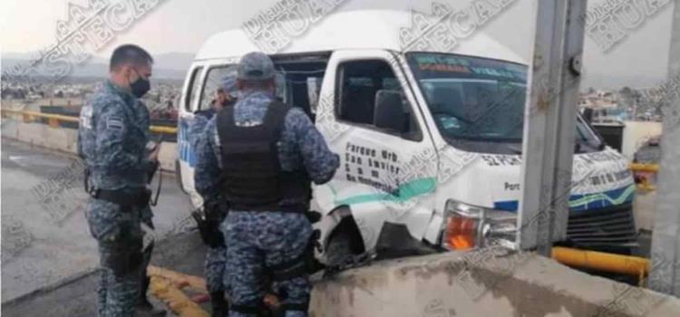 Inspectores del STCH atienden accidente de urvan