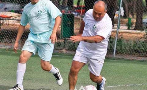 Intensa la emoción por el fútbol soccer