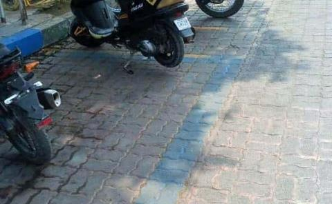 Motociclistas tendrán su propio estacionamiento