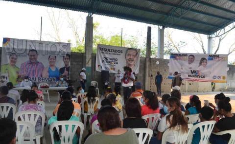 Habitantes brindan respaldo a Baldemar