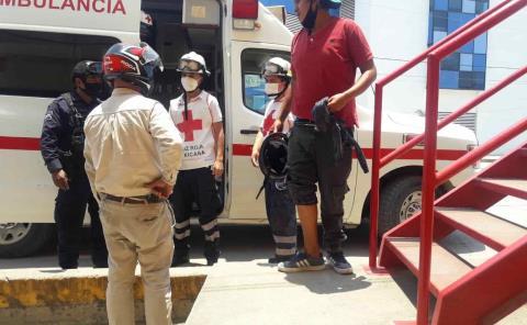 Motociclista chocó contra un automóvil