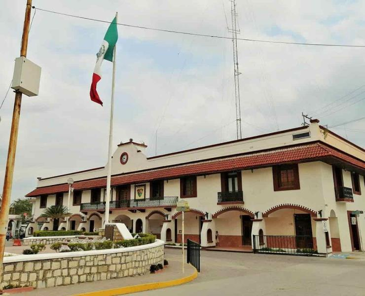 Municipio incumplió con el luto nacional
