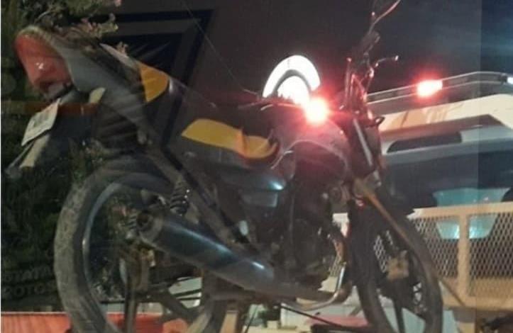Traía marihuana joven motociclista
