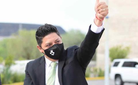 Gallardo ganó y lideró el debate