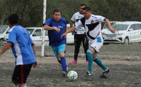 Sigue la acción del Futbol Comercial