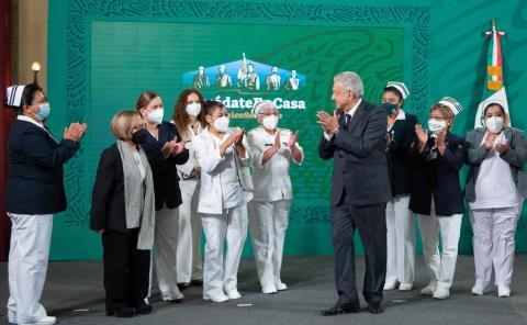 Celebró AMLO nuevo Día de la Enfermera