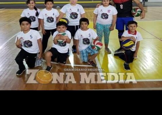 Regresó el volibol infantil a Fernández