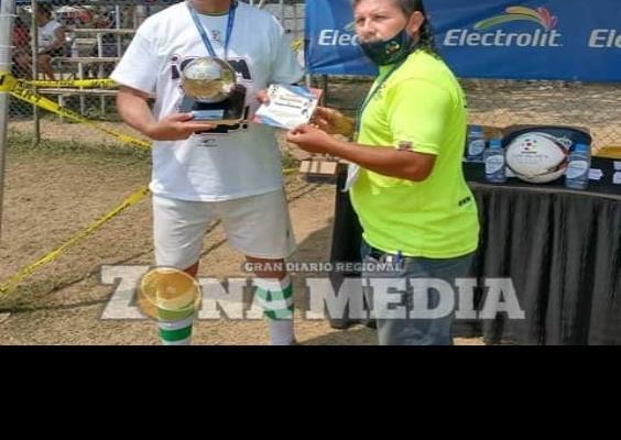 Dr. Lucio Correa es campeón goleador