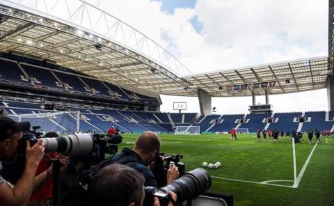 Oporto acogerá la final City-Chelsea