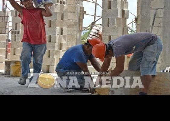 Frenada industria de la construcción