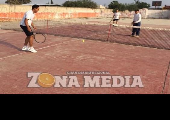 Promueven juegos deportivos de tenis