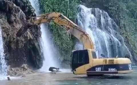 Detectan maquinaria dentro de cascadas