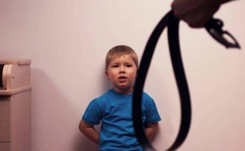 Prohibirán castigos en contra de niños