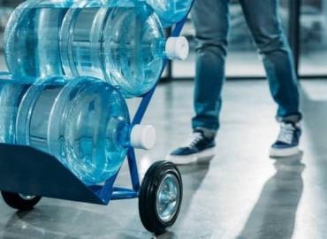 """Reparten agua las empresas """"patito"""""""