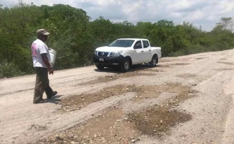 "Humilde campesino ""bachea"" carretera"