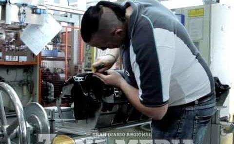 Obreros de ZM laboran en armadoras de SLP