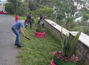 Colocaron jardineras con material reciclable