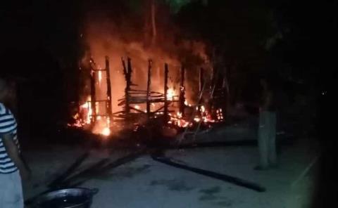 Ardió una casa