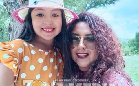 Giselle y su nena muestran su amor