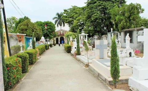 Abrieron los cementerios