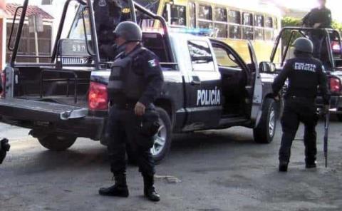 BALEÓ A POLICÍAS