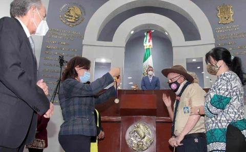 "Entregaron presea ""Plan de San Luis"""